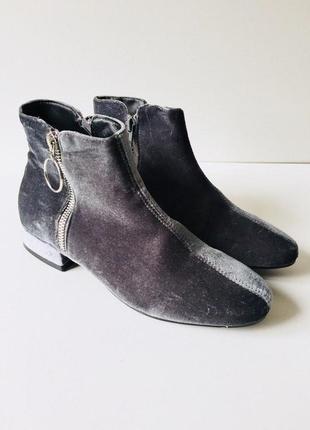 Сильные бархатные ботинки на низком ходу с молнией