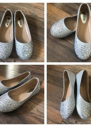 Туфли на девочку / балетки