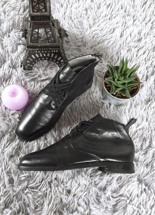 Итальянские кожаные ботиночки на низком ходу с резинками