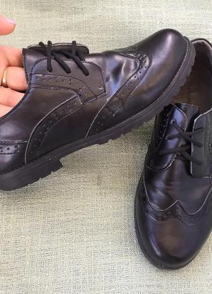 Туфли стильные в школу р.35