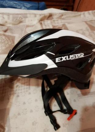 Защитный шлем для велосепидиста