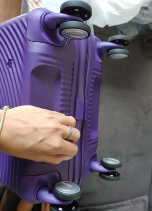 Новый легкий и прочный чемодан для ручной клади american tourister4 фото