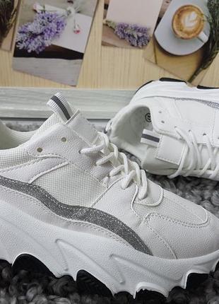 Новые женские белые кроссовки2 фото