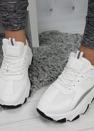 Новые женские белые кроссовки4 фото