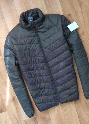 Новая с бирками мужская  весенняя/осеняя куртка хаки ,  м размер.