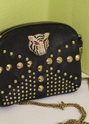 Новая сумочка на длинной цепочке