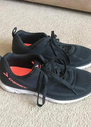 Новые кроссовки demix для бега
