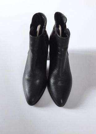 Стильные кожаные ботыльоны на устойчивом каблуке2 фото