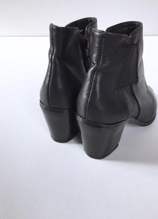 Стильные кожаные ботыльоны на устойчивом каблуке4 фото
