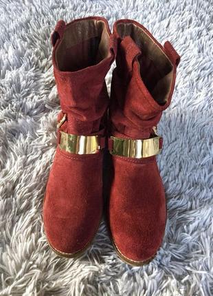 Очень классные замшевые ботинки на низком ходу2 фото