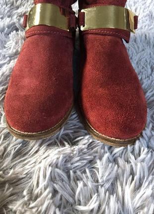 Очень классные замшевые ботинки на низком ходу4 фото