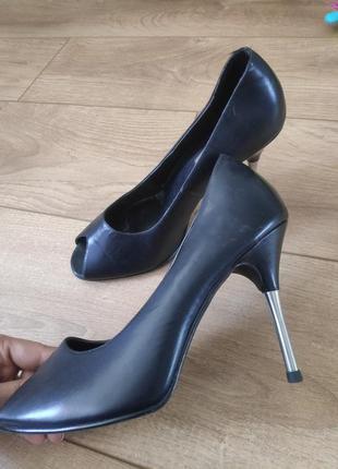 Туфли с открытым носком look