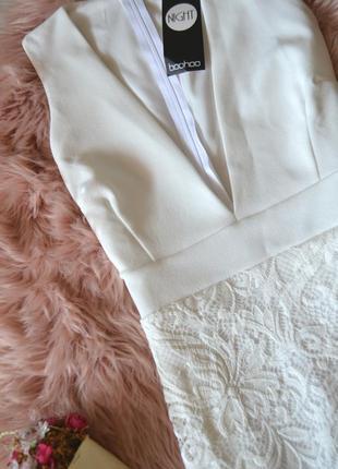 Новое платье с кружевной юбкой и глубоким декольте boohoo3 фото
