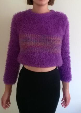 Пушистый укороченный свитер