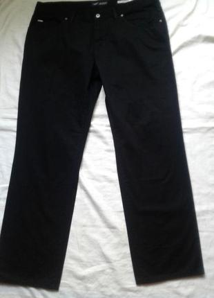 Мужские черные джинсы  s. 38