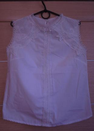 Блуза белая, с ажурной аппликацией