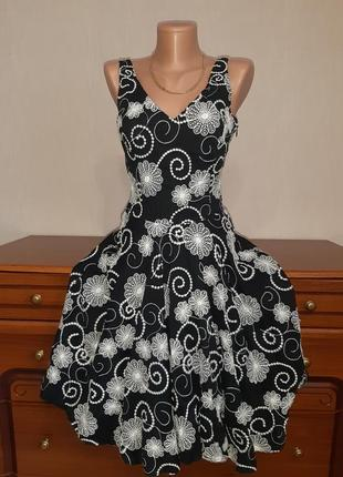 Очаровательное платье с вышивкой в цветы и юбкой солнце из натуральной ткани от warehouse