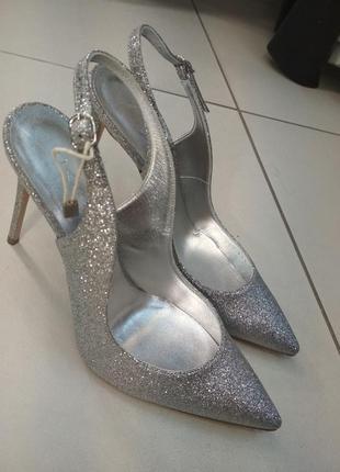 Итальянские туфли casadei, новые, оригинал, натуральная кожа.