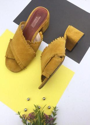 Замшевые сабо на толстом каблуке