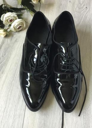 Фирменные кожаные туфли, размер 38