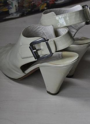 Кожаные лаковые туфли fellini