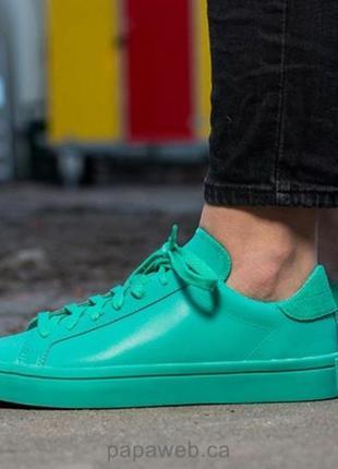 Adidas,кросовки,оригинал,размер 40.
