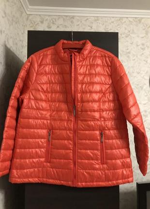 Коралловая куртка холлофайбер laura torelli, новая!
