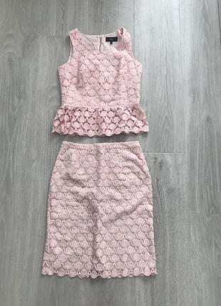 Красивый комплект юбка и блуза с баской розовая с выбытии орнаментом next