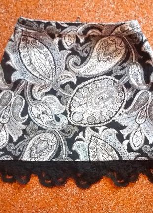 Милая юбка с кружевной отделкой