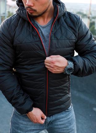 Мужская качественная осеняя куртка черного цвета