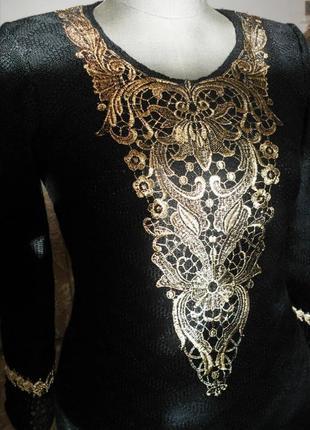 Платье вязаное с французским кружевом и отделкой ручной работы