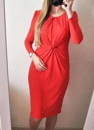 Шикарное новое платье с драпировкой и длинными рукавами