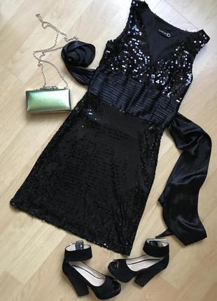 Чёрное вечернее платье в пайетки