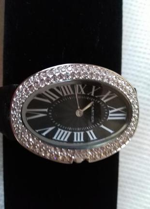 Часы cartier  (овал)