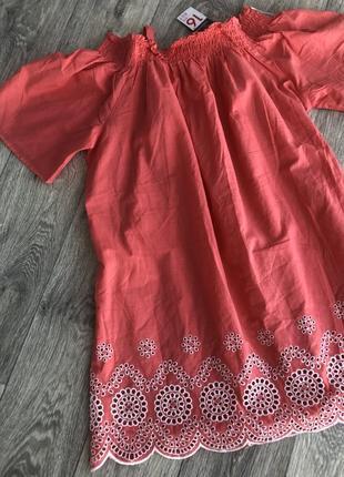 Очень нежное коралловое хлопковое платье с вышивкой и перфорацией можно для беременных2 фото