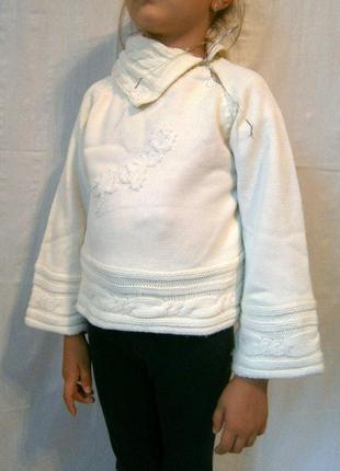 Красивый свитер для девочки 4-5 лет
