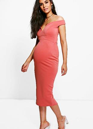 Пудровое розовое миди платье для беременных открытые плечи