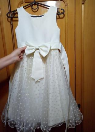 Продаю нарядну сукню дитячу  білого кольору з бантіком🎀🎀🎀