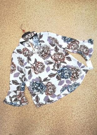 Шикарная актуальная блузка с воланами цветочный принт