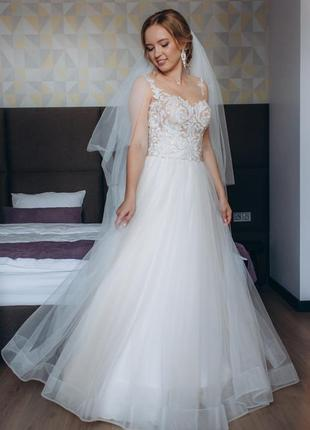 Свадебное платье а-силуета
