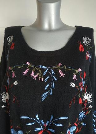 Красивый джемпер capsule с вышивкой красивых цветов, модного прямого кроя оверсайз6 фото
