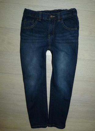 Темно-синие классические джинсы f&f 9-10 лет