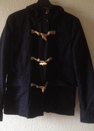 Синяя куртка из stradivarius