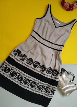 Шикарное льняное платье миди с вышивкой