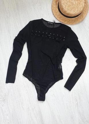 Черный боди. сетка с рукавами. трендовый чёрный боди с шнуровкой от prettylittlething