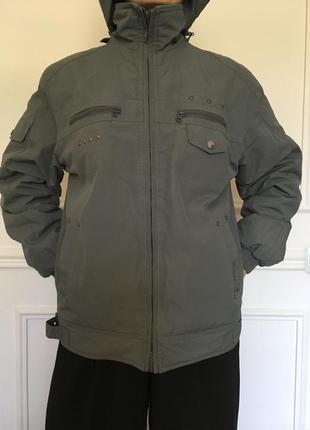 Оригинальная куртка для подростка (весна/осень).