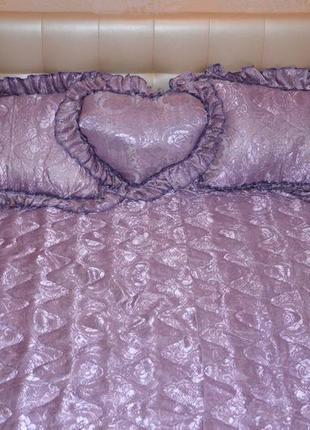 Покрывало жаккард на двуспальную кровать с 3 подушками