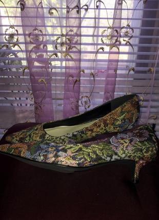 Туфли лодочки на каблуке kitten heels