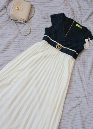 Довга шифонова сукня