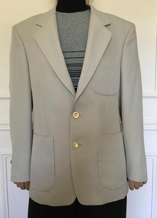 Новый мужской пиджак светло-серого цвета. размер 50-52.